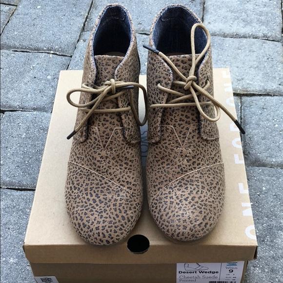 df5a5487830 Toms Desert Wedge Cheetah Suede Printed Bootie